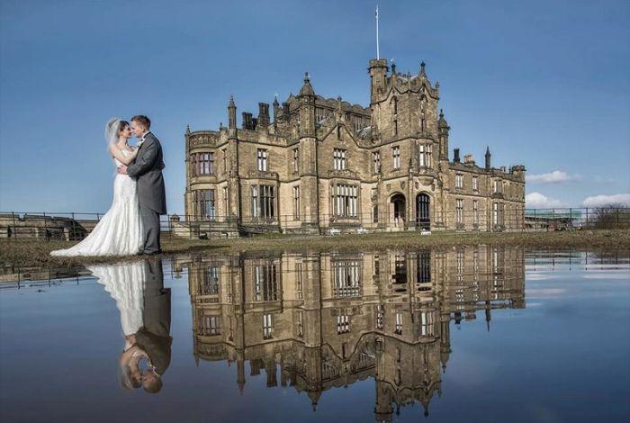 Эффектное свадебное фото, созданное благодаря смекалке фотографа (3 фото)