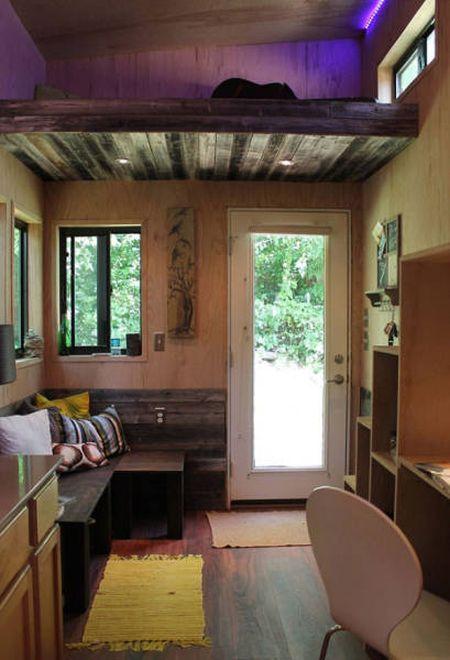 Студент построил свой передвижной дом, чтобы не платить за аренду жилья (9 фото)