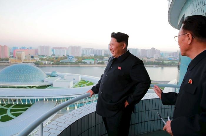 В КНДР открыли современный научно-технический комплекс (8 фото)