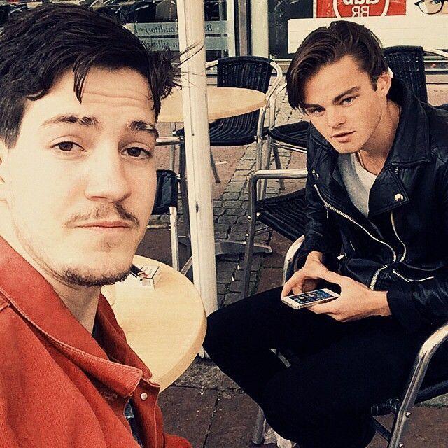 В шведском баре работает настоящий двойник Леонардо Ди Каприо в молодости (14 фото)