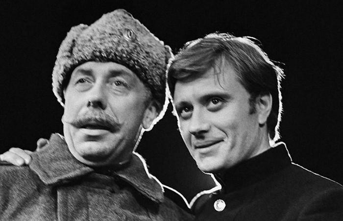 Великолепный актерский дуэт Андрея Миронова и Анатолия Папанова (9 фото)