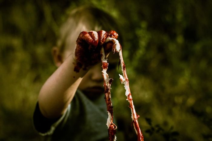 Зомби-фотосессия в первый День рождения ребенка (10 фото)