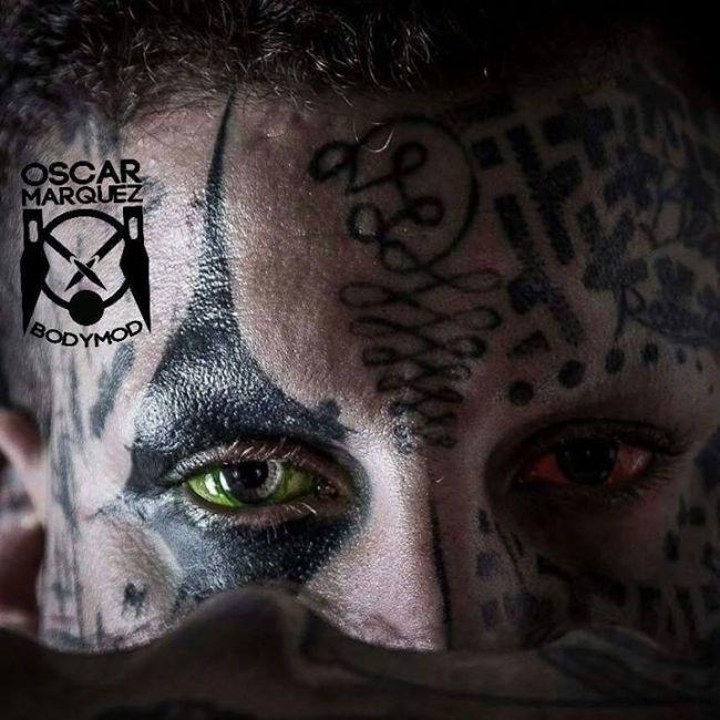 Татуировки на глазных яблоках (20 фото)