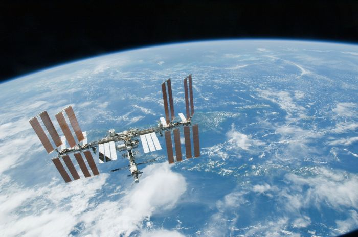Работа МКС в 15 тематических гифках от NASA (15 гифок)