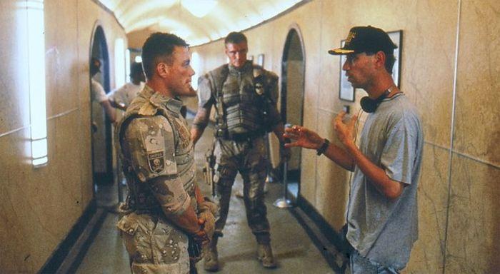 Жан-Клод Ван Дамм и Дольф Лундгрен на съемках «Универсального солдата» (5 фото)