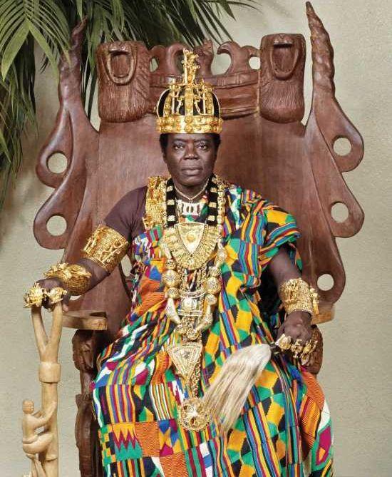 Король Банса - монарх, работающий автомехаником за пределами своей страны (8 фото)