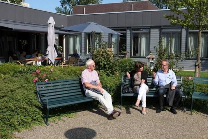Хогевей - необычная голландская деревня (6 фото)