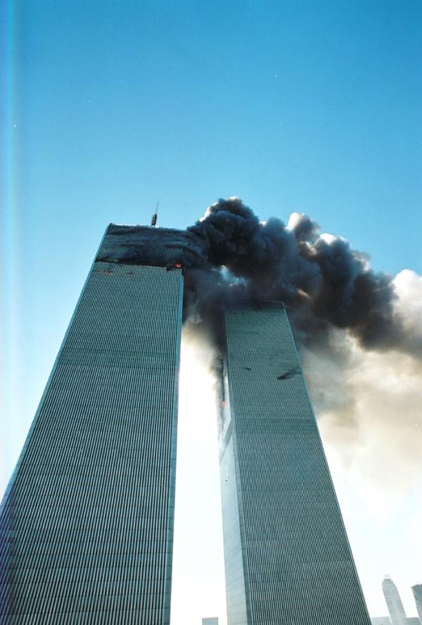 Фото с места теракта во Всемирном торговом центре, Нью-Йорк 11 сентября 2001 год (27 фото)