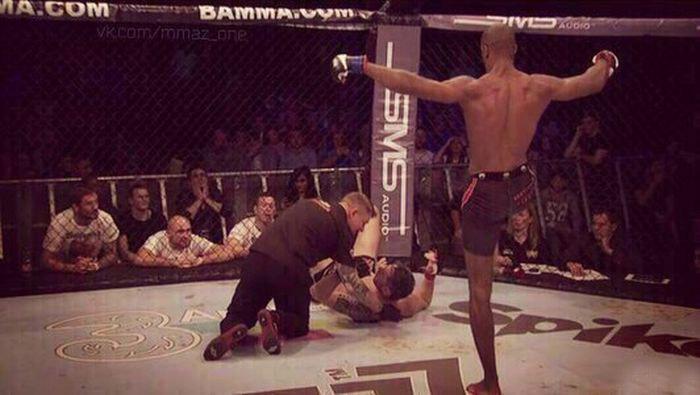 Боец MMA Кристофер Жаклин оказался тем еще троллем (2 фото)