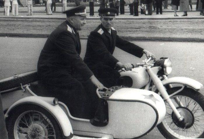 Легендарные вещи, ставшие визитной карточкой СССР (36 фото)