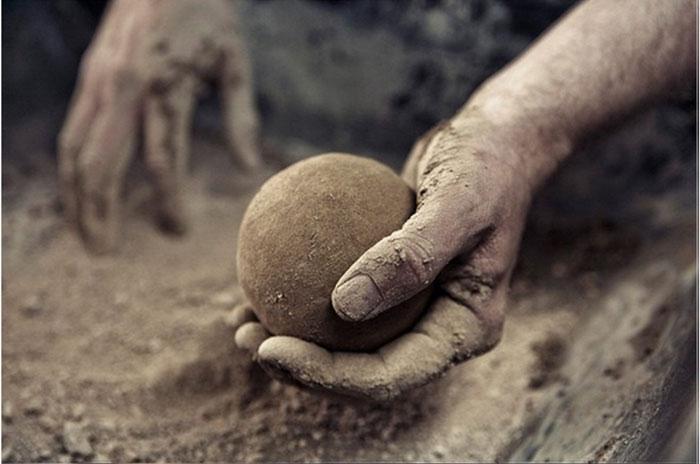 Японское искусство изготовления земляных шаров дороданго (10 фото)