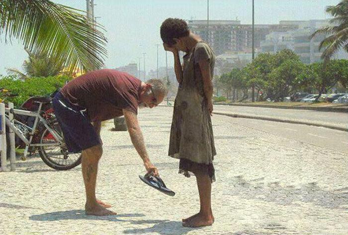 Добрые поступки (24 фото)