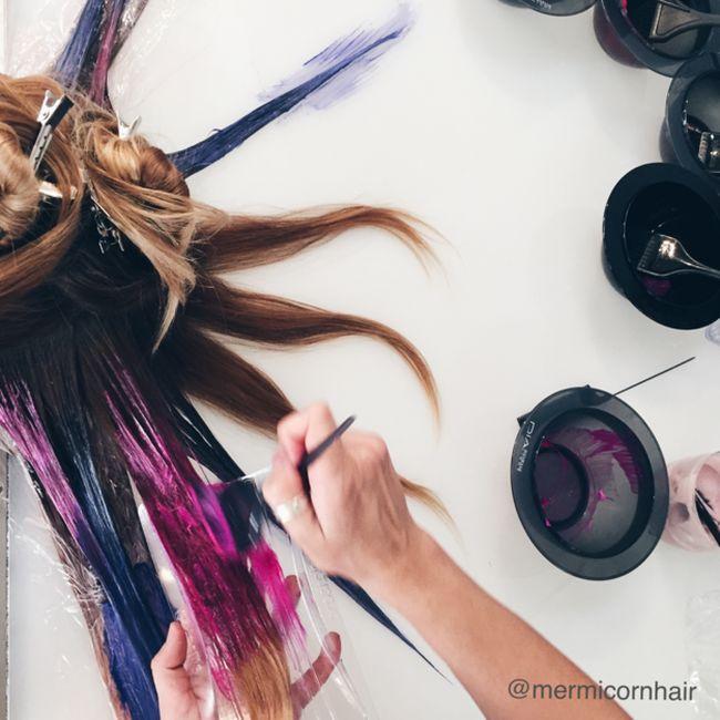 Парикмахеры придумали, как сделать прическу похожей на волосы русалки Ариэль (12 фото)