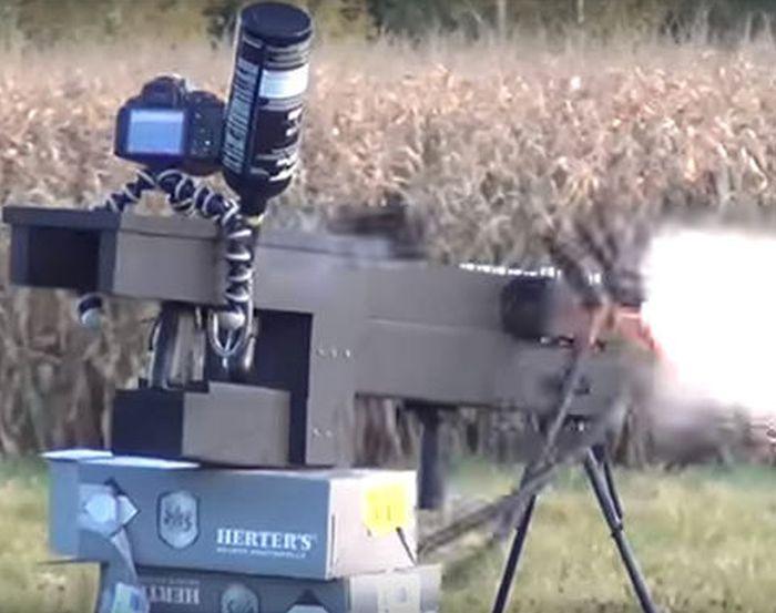 Самодельный рельсотрон в действии (2 фото + 2 видео)