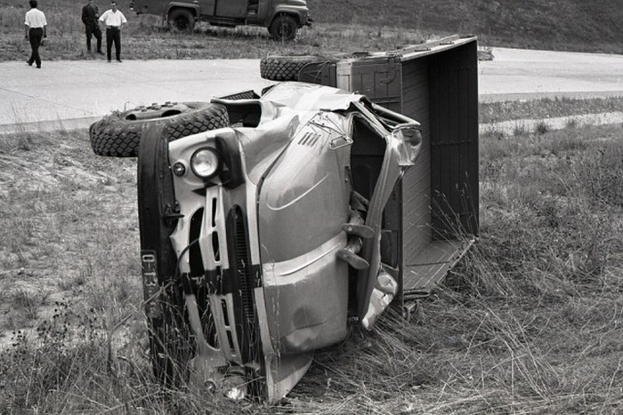 Как проводили краш-тесты советского грузовика ЗИЛ-130 (20 фото)