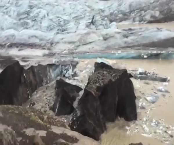 Разлом айсберга