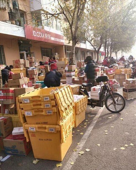 Китайская почта во время Всемирного дня шопинга (11 фото)
