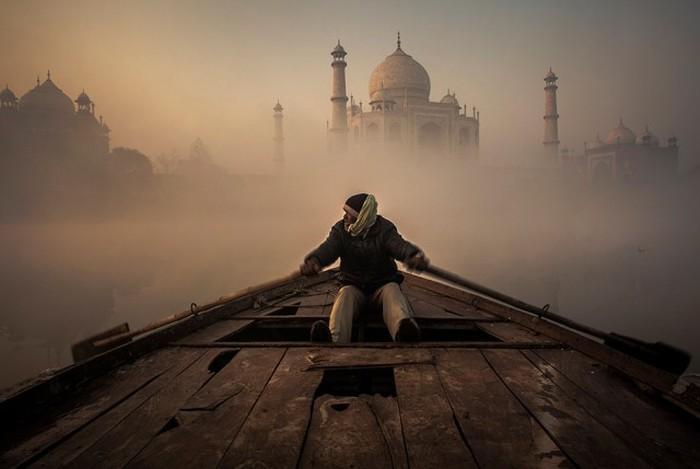Самые запоминающиеся работы нового фотоконкурса Siena International Photo Award (22 фото)