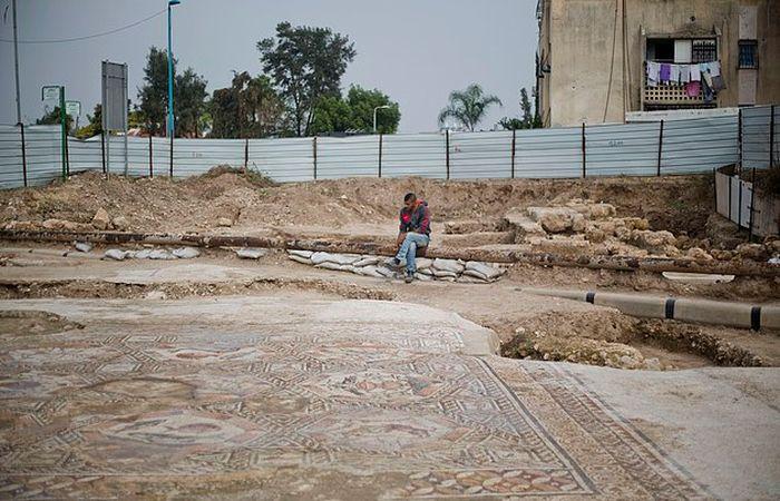 В израильском городе Лод нашли вторую мозаику-бестиарий (7 фото)
