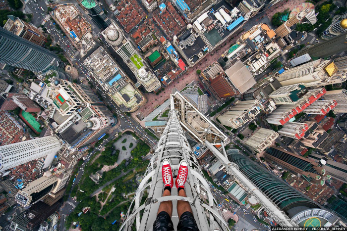 Новый взгляд на Шанхай на снимках российских руферов (33 фото + видео)