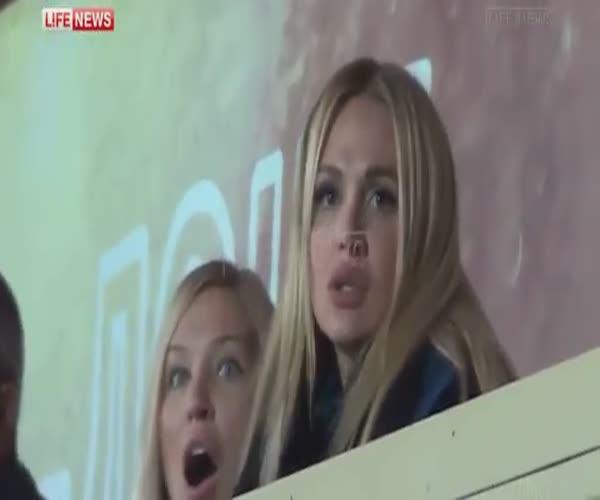 Виктория Лопырёва не заметила гол из-за того, что делала селфи
