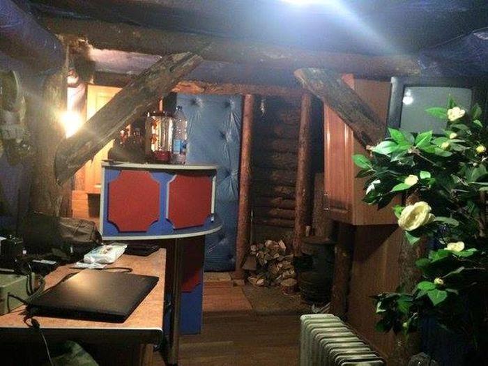 Самый уютный армейский блиндаж (3 фото)