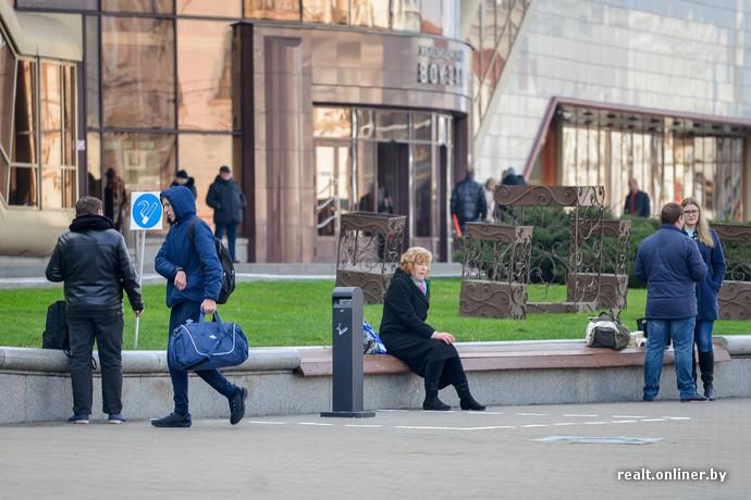 На белорусских вокзалах появились места для курения (5 фото)
