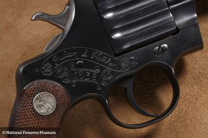Шедевры оружейных мастеров в музее National Firearms (40 фото)