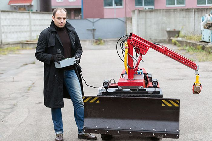 Белорусские ученые представили трактор-робот на базе Беларус-132 (3 фото + видео)