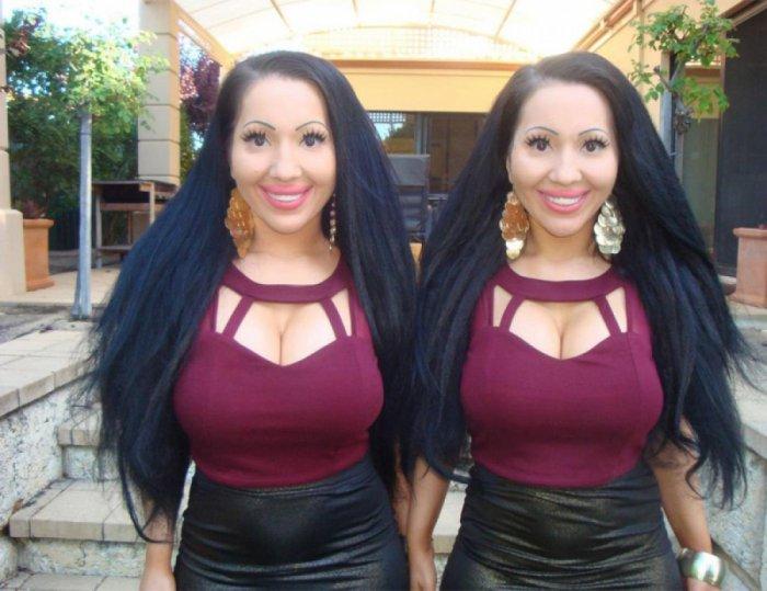 Австралийские близняшки потратили 250 000 долларов, чтобы стать самыми похожими друг на друга людьми (10 фото)
