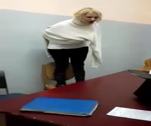 В Кемерово девушку-адвоката будут судить за оскорбление полицейских