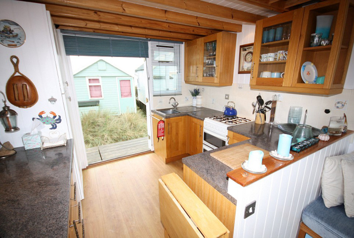 Пляжный домик в Великобритании за 250 000 фунтов стерлингов (12 фото)