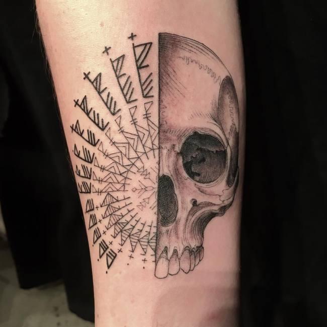 Скотт Кэмпбелл - тату-мастер, который сам решает, какую татуировку набить клиенту (12 фото)