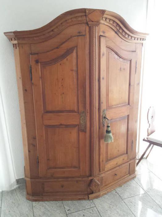 Тайник в старом шкафу (13 фото)