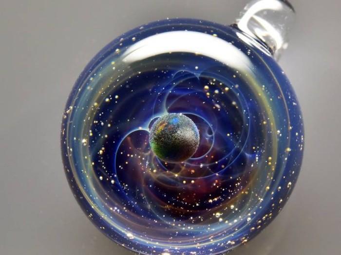 Вселенная в стеклянных шариках Сатоши Томизу (10 фото + видео)