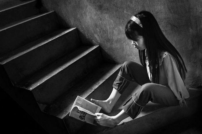 Вьетнамская девушка, родившаяся без рук, научилась жить полноценной жизнью (10 фото)
