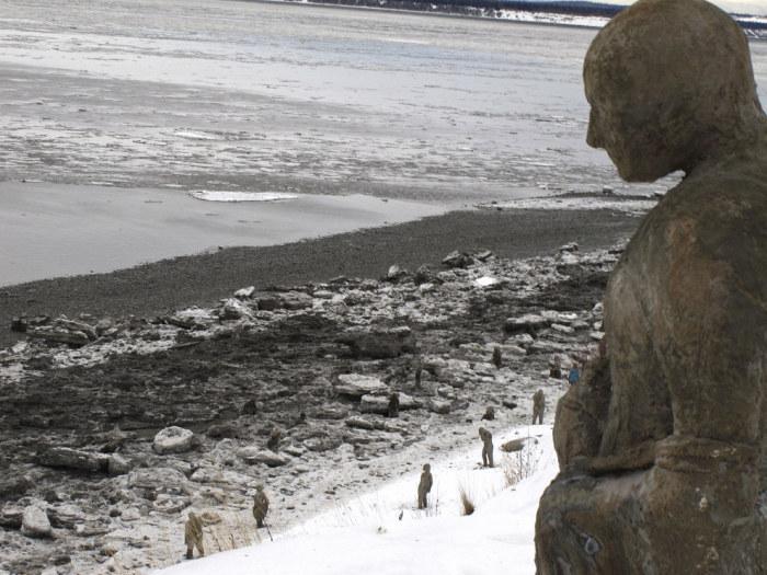 На Аляске установят скульптуры, посвященные людям с психическими расстройствами (4 фото)