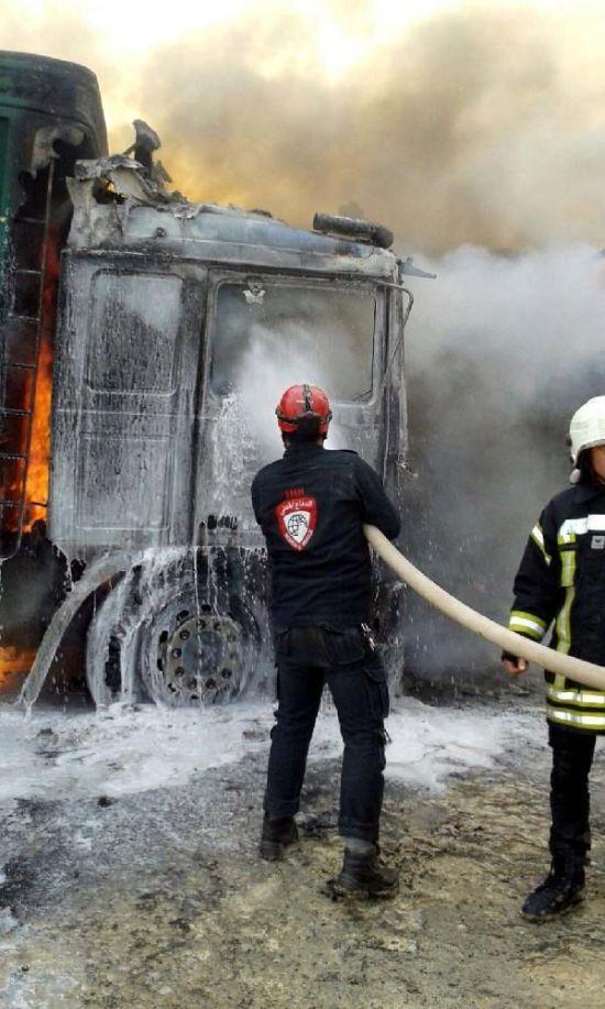 В Сирии разбомбили турецкий конвой с гуманитарной помощью (6 фото + видео)