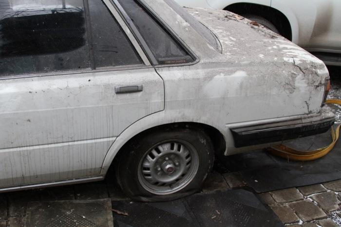 В Донецке автомобиль Toyota Mark II более 20 лет оставался замурованным (20 фото + видео)