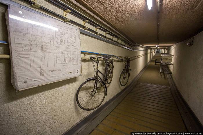 Экскурсия по британскому бункеру на случай ядерной войны (31 фото)