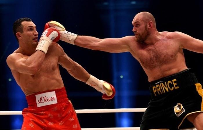 Владимир Кличко проиграл титульный бой с Тайсоном Фьюри (6 фото + видео)