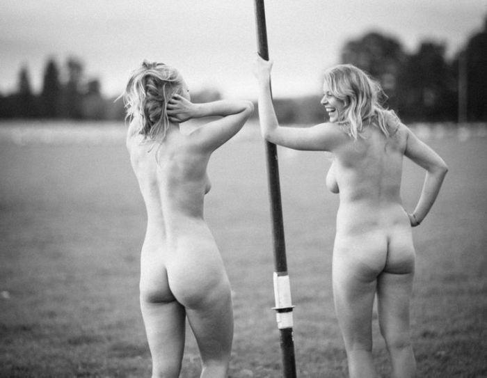 Британские спортсменки собрали деньги на благотворительность при помощи откровенной фотосессии. НЮ (15 фото)