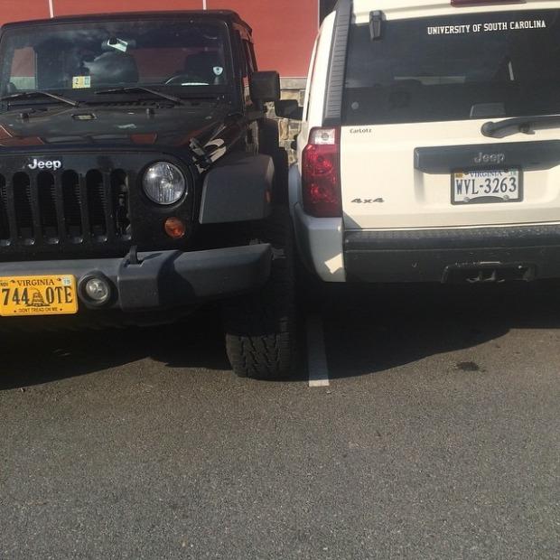 Мастер парковки на внедорожнике (6 фото)