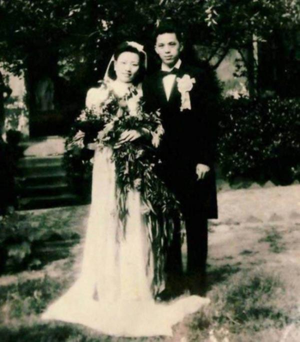 98-летние супруги из Китая повторили день своей свадьбы в честь 70-летия совместной жизни (7 фото)