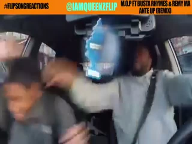 Отец показал сыну, что такое настоящий хип-хоп