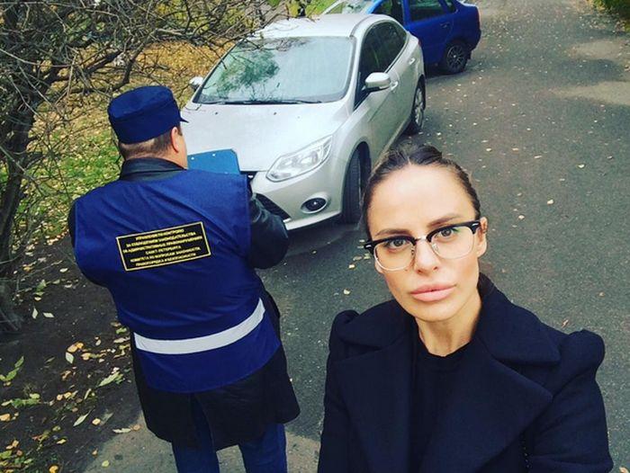 Диджея-госинспектора Элеонору Вербицкую (Ellis Sexston) уволили из-за чрезмерной сексуальности (17 фото)