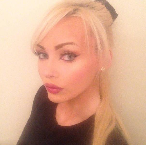 Неглупая девушка превратилась в типичную блондинку (15 фото)