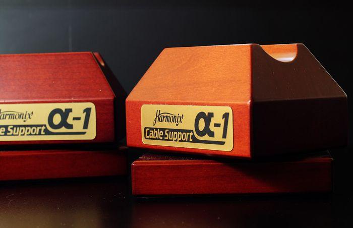 Подставка под кабель - аксессуар для аудиофилов (3 фото)