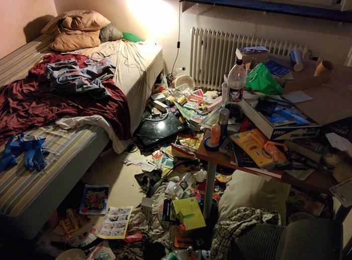Парень прибрался в квартире к приходу девушки (20 фото)