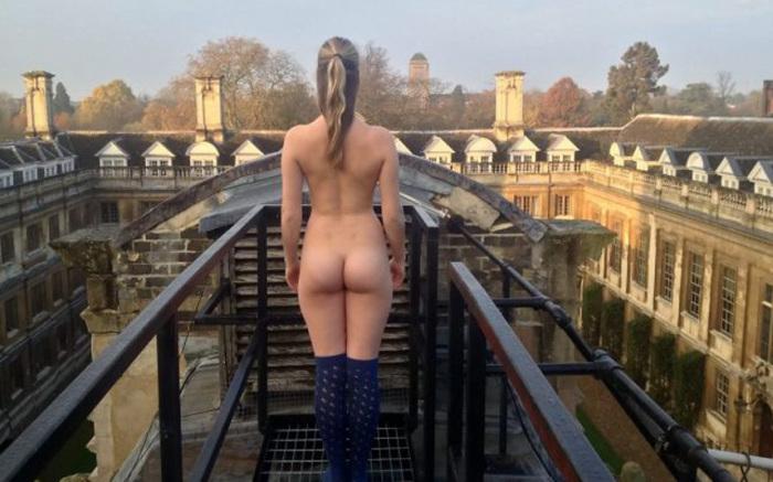 В Кембриджском университете выбирали обладателя лучших ягодиц (10 фото)